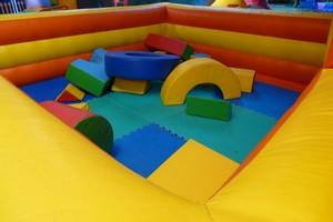Jeux de construction et arène gonflable