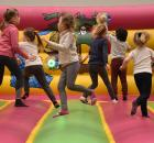 Dynamic land valenciennes - enfants dans structure gonflable